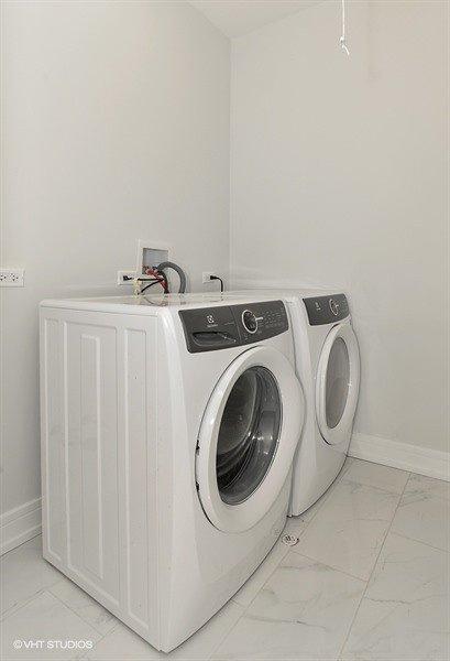 35_1902WWellingtonAve_44_LaundryRoom_LowRes
