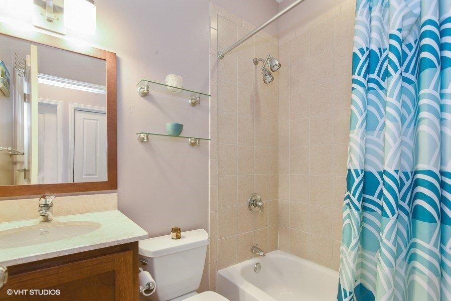 10_1849WNewport_2_8_Bathroom_LowRes