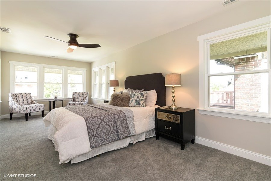 21_843NorthEastAvenue_14_MasterBedroom_LowRes