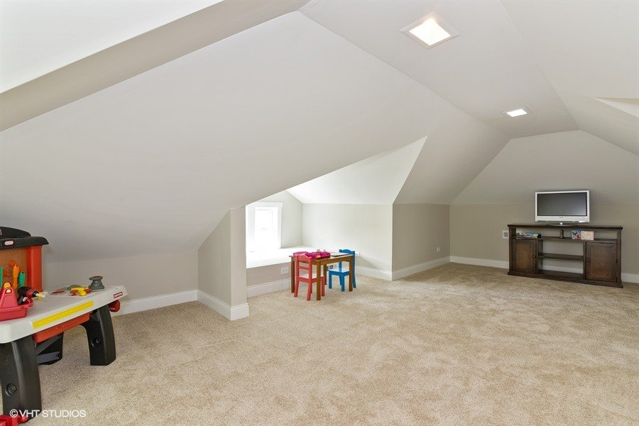 31_843NorthEastAvenue_42_Attic_LowRes