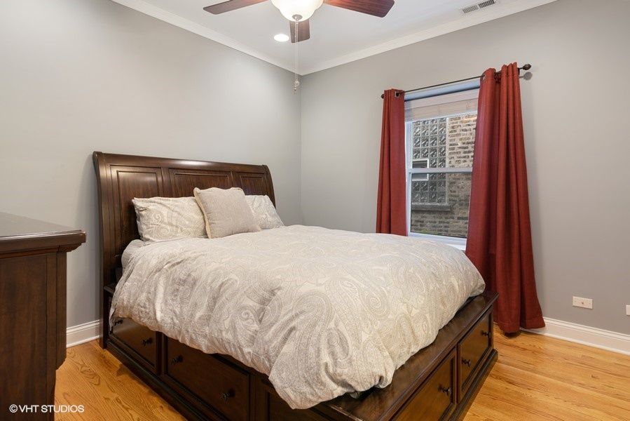 10_2727WLeland_Unit1_14_MasterBedroom_LowRes