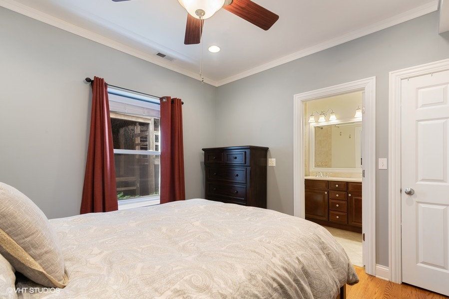 11_2727WLeland_Unit1_178_MasterBedroom_LowRes