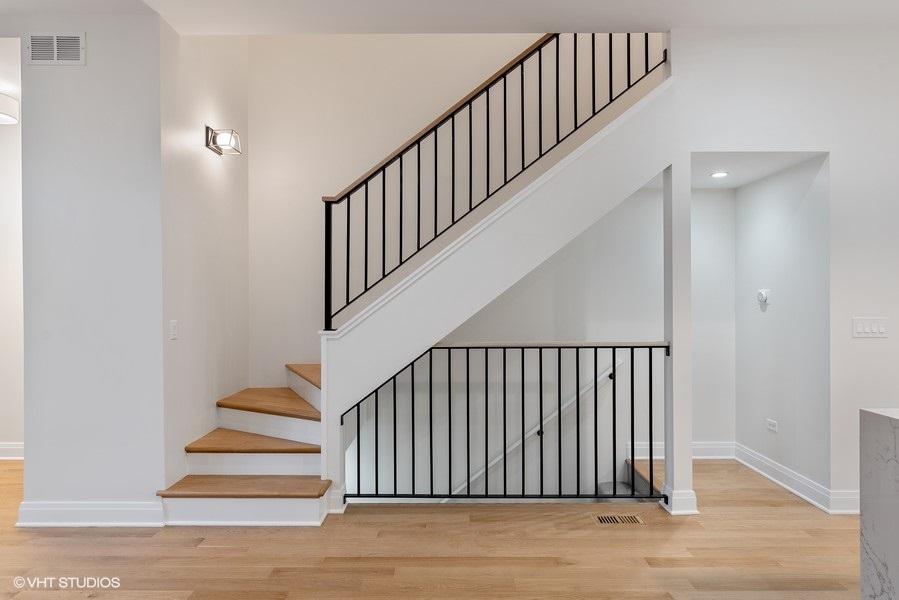 55_2335WAltgeld_68_Staircase_LowRes
