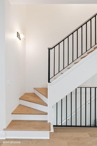 56_2335WAltgeld_68001_Staircase_LowRes