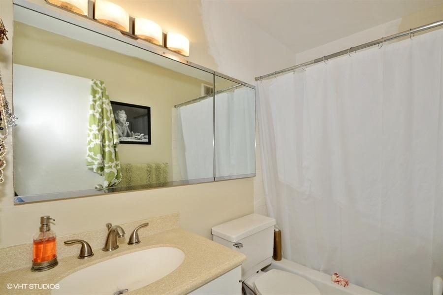 18_1560NSandburgTer_Apt1105_8_Bathroom_LowRes