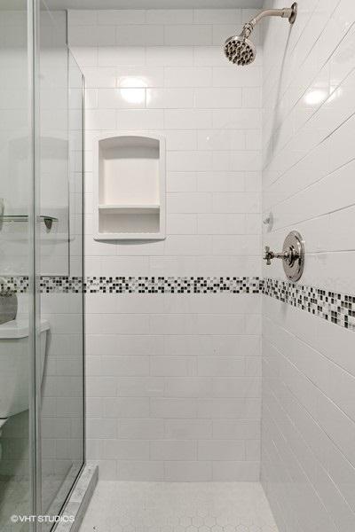 23_1043SchoolSt_Unit207_8001_Bathroom_LowRes