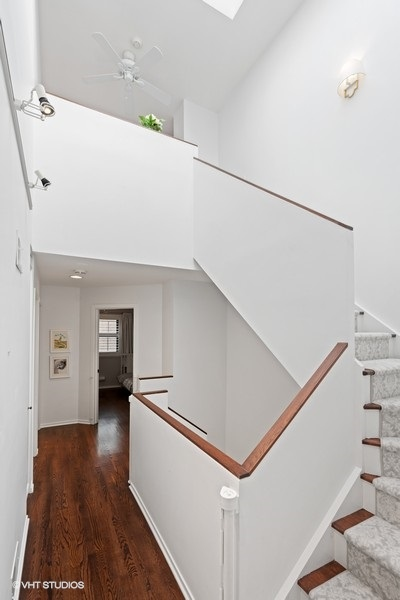 14_2501NWayneAve_Unit8_68_Staircase_LowRes