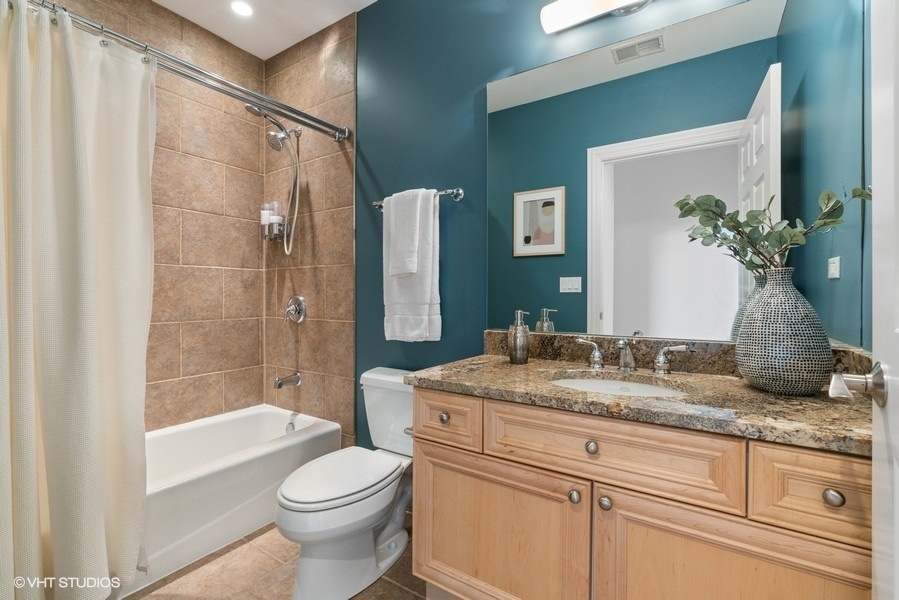 26_3207NClifton_Unit301_8_Bathroom_LowRes