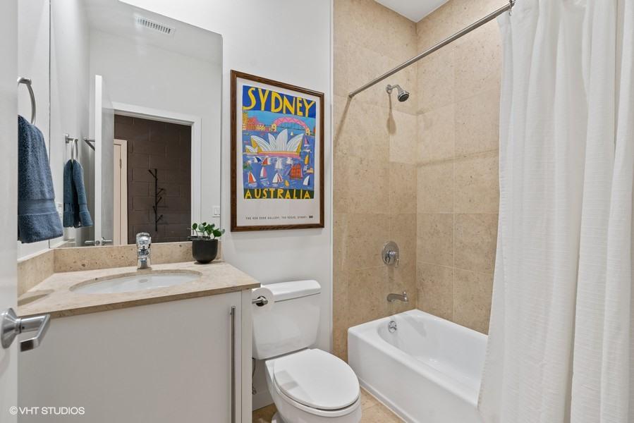08_919-N-Wolcott-Ave_Unit-202_8_Bathroom_Web