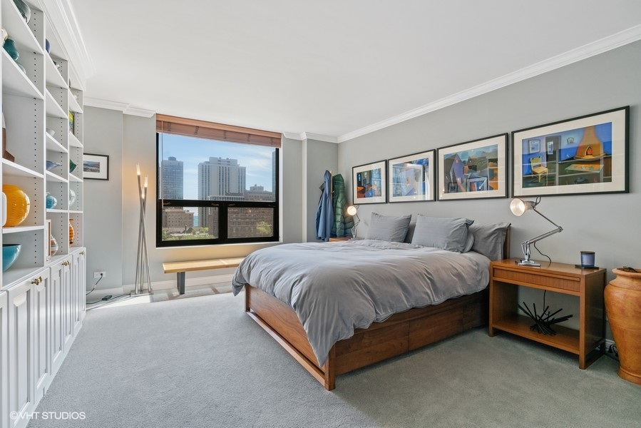 18_1250NDearborn_9B_178_PrimaryBedroom_LowRes