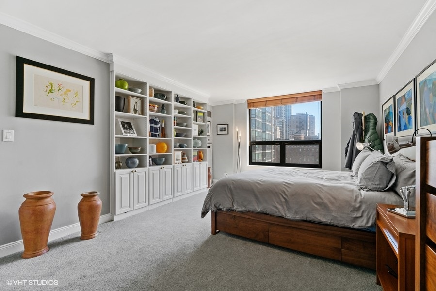 19_1250NDearborn_9B_178001_PrimaryBedroom_LowRes