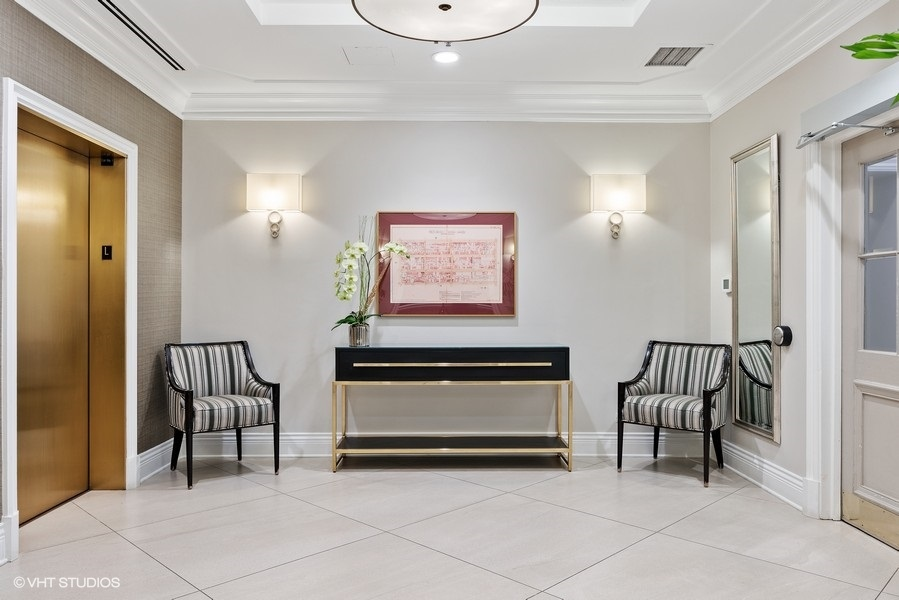 40_1250NDearborn_9B_117_Lobby_LowRes