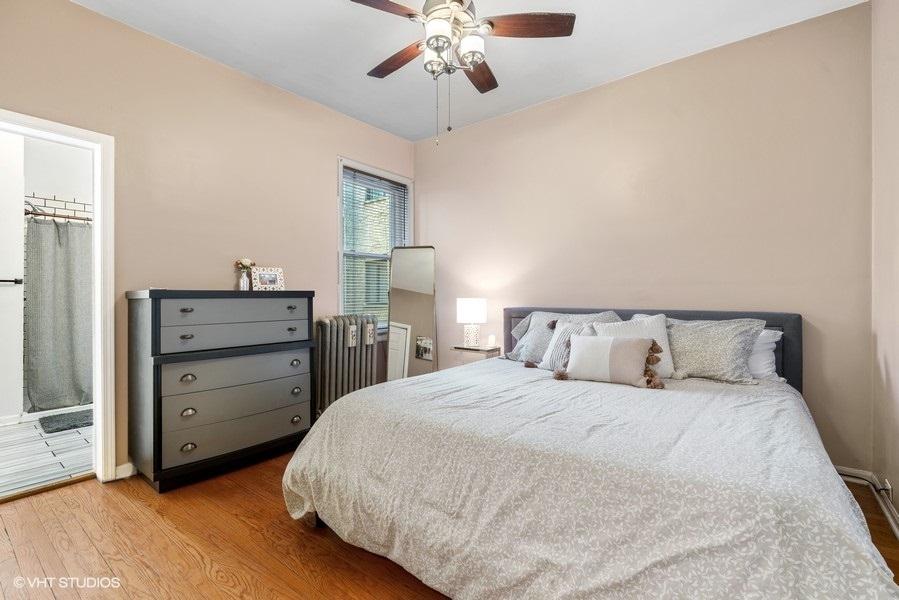 18_5919NKenmore_Unit2_18_Bedroom_LowRes