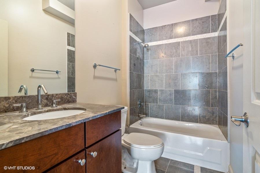 18_4718NBeaconSt_8_Bathroom_LowRes