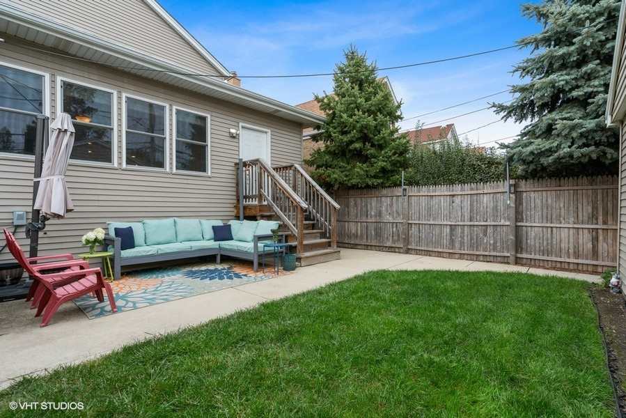 43_5517WByronSt_85002_Patio_LowRes